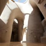 25 años excavando una catedral con sus manos