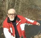 Reportero se cae a un arroyo contaminado